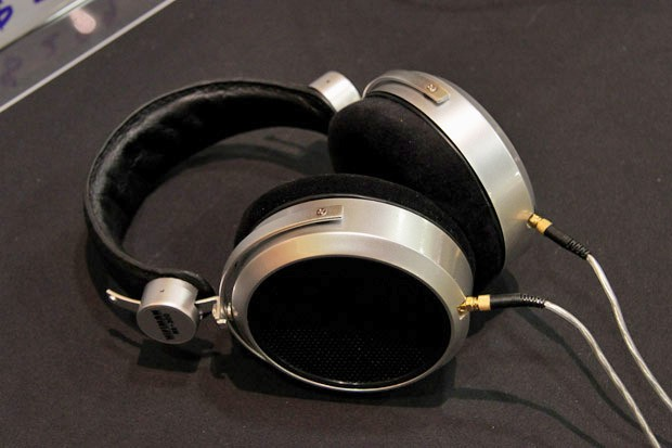 HiFiMan HE-300 headphone