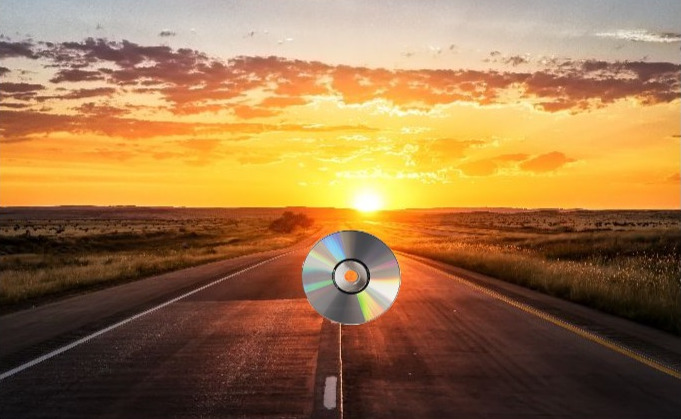 Best Buy to Drop CDs