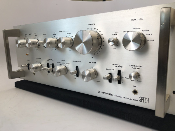 Audio Time Machine: Vintage Pioneer Spec-1 Preamp