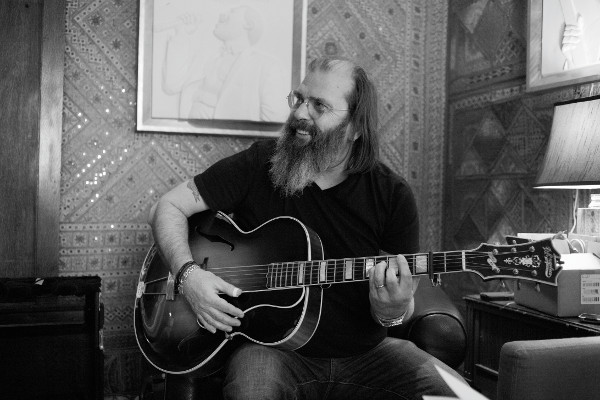 Steve Earle Embraces His Outlaw Country Roots on 'Wannabe'