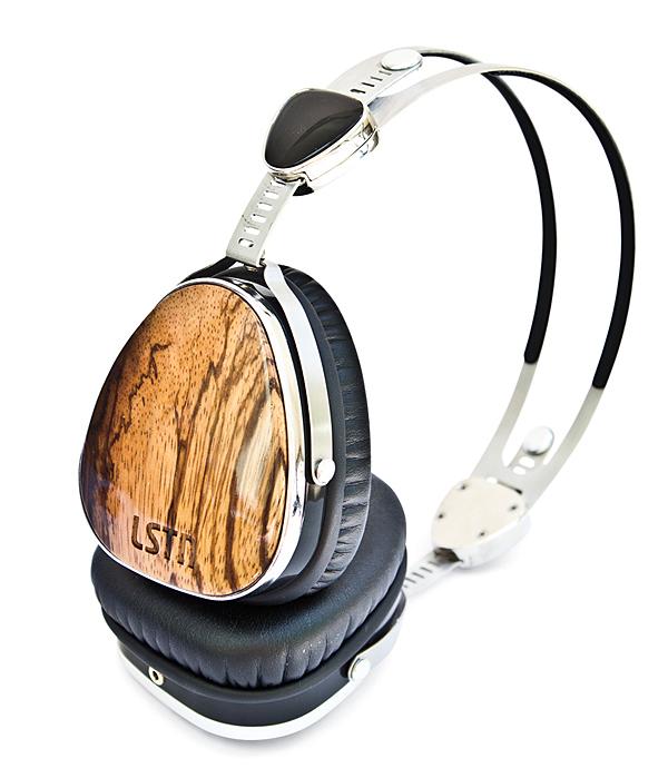 Delta Offers Deluxe Headphones