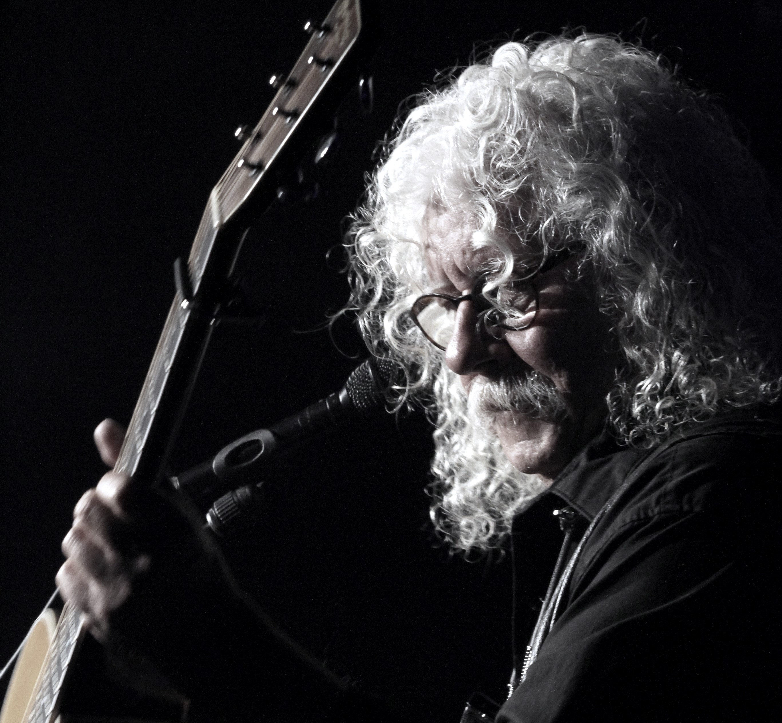 "Arlo Guthrie Gives Thanks for 50 Years of ""Alice's Restaurant Massacree"""