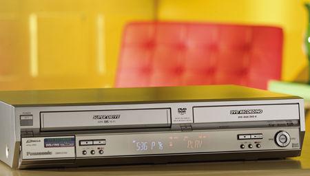 Panasonic Dmr E75v Dvd Vhs Player Sound Amp Vision