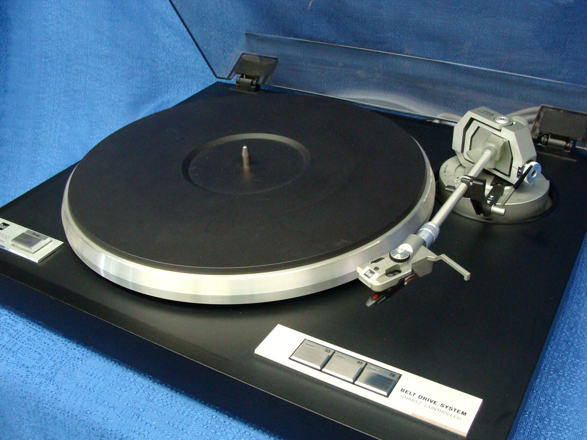 Five Vintage Turntables to Add to Your eBay Watch List