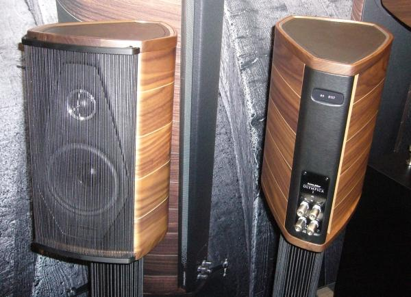sonus faber olympica turns heads sound vision. Black Bedroom Furniture Sets. Home Design Ideas