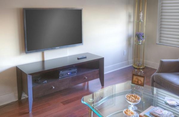 Non-invasive TV Wall Mount | Sound & Vision