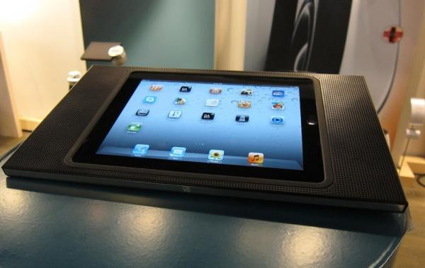 review beoplay a3 ipad dock sound vision. Black Bedroom Furniture Sets. Home Design Ideas